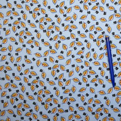 Bild Blaetter auf hellblau Polyester Microsatin