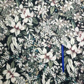 Bild Viskose große Blumen weiß auf schwarz