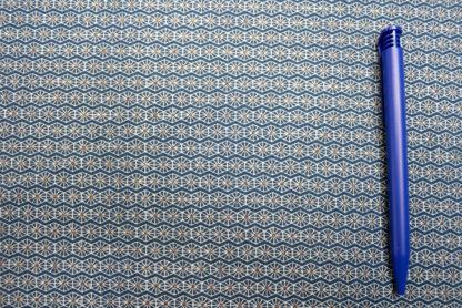Bild Jersey Stoff Sterngitter weiss mit gold auf blau