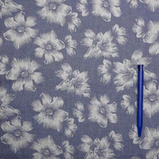 Bild Sommerstoff Baumwoll Polyester zarte weisse Blumen auf blau