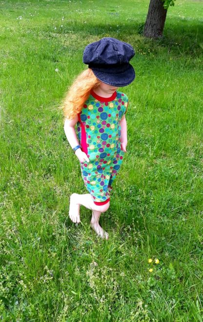 Bild Mädchen im Kinderkleid Wohli