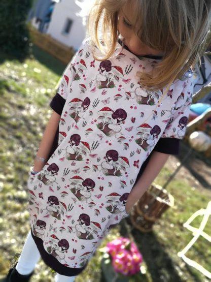 Bild kleines Mädchen im Kinderwohli