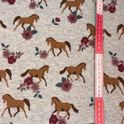 Bild PferdPferde mit Blumen