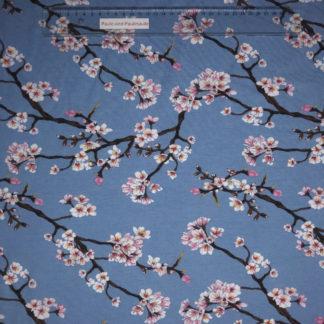 Bild Modal Jersey in der Farbe hellblau mit rosa Blütenzweigen