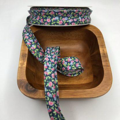 Bild, Schrägband, Einfassband in blau mit Blumen, 20mm, Baumwolle