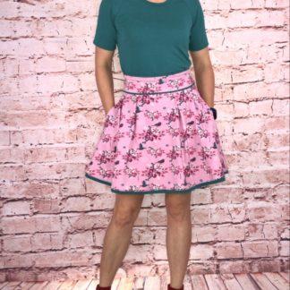 Bild Sommerrock mit einfarbigen T-Shirt, TANTE EMA BEAUTIFUL TANGO BIRDS, Blumen, Vögel, schöner Stoff, Muster, Tiere, Natur, Sommer, rosa, pink, petrol