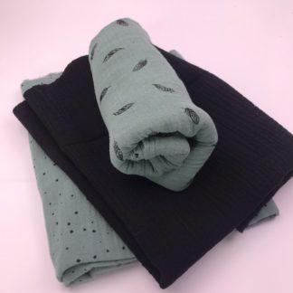 Bild Stoffe Musselin Nähpaket XXL Tuch mintgrün mit schwarzen Punkten Musselin in schwarz und Musselin in mintgrün mit schwarzen Federn