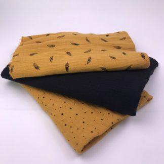 Bild Stoffe Musselin Nähpaket XXL Tuch Senfgelb mit schwarzen Punkten Musselin in schwarz und Musselin in curry mit schwarzen Federn