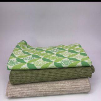 Bild Nähpaket XXL Tuch aus Strickstoff in grün und sand, beige, mit Jaquarde in grün, cremeweiß und apfelgrün