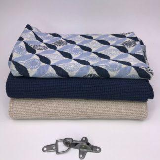 Bild Nähpaket XXL Tuch aus Strickstoff in sand und dunkelblau, beige, mit Jaquarde in blautönen, Metallverschluss silberfarben matt