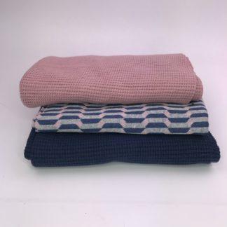 Bild Nähpaket XXL Tuch aus Strickstoff in altrosa und blau mit Jaquarde in blau grau und altrosa