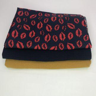 Bild XXL Tuch Musselin in curry, navyblau und eine Webware/Baumwolle mit Kusmund