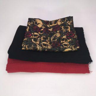 Bild XXL Tuch Musselin in rot, schwarz und Webware/Baumwolle mit Totenkopf, Totenköpfe auf schwarz mit roten Rosen