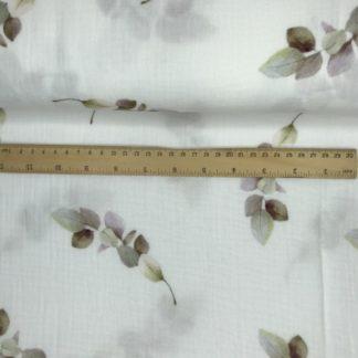 Bild Musselin Stoff in weiß, mit grün, rosa, braunen Blätterranken