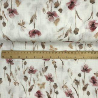 Bild Musselin Stoff in weiß mit rosa Blumen, gelben Schmetterlingen, Bienen, braunen Knospen