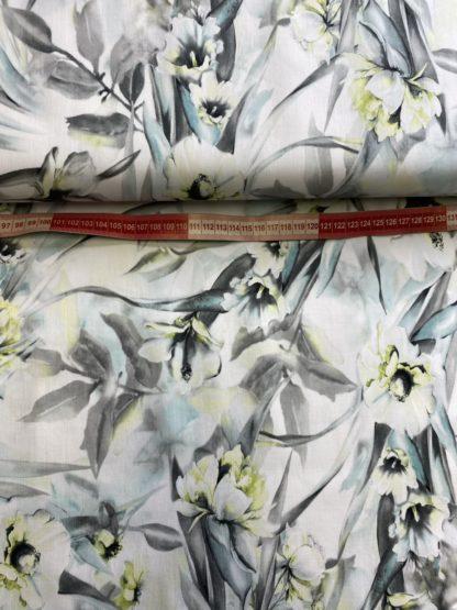 Bild KDS Quenns Collection Baumwolle Baumwollsatin .Wunderschöner Stoff mit Blumen